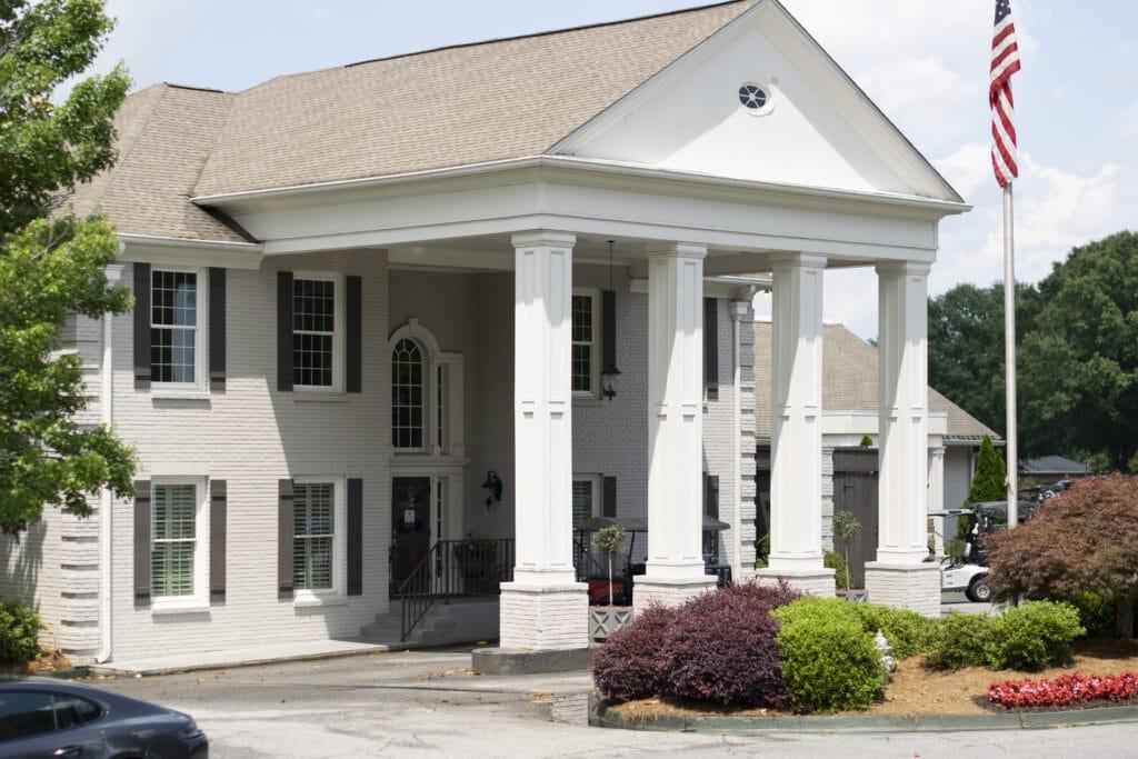 Brookfield Country Club Neighborhood